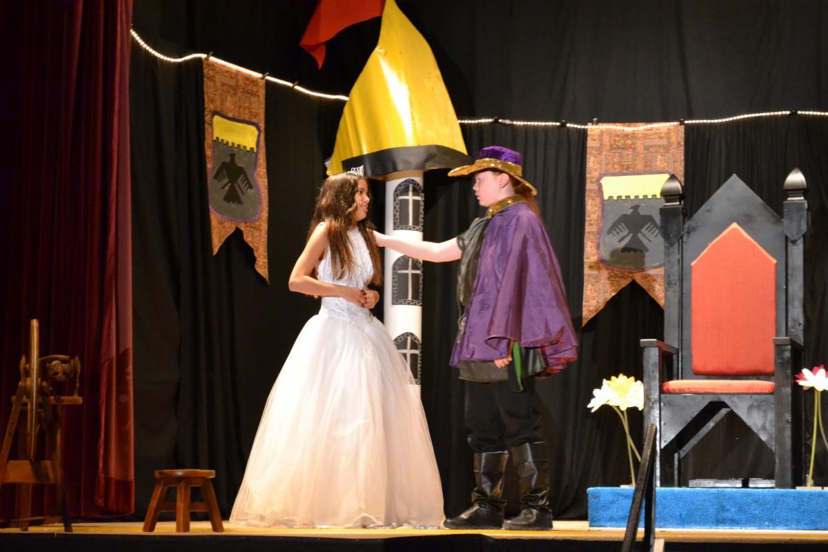 Princess Aurora meets her true love Prince Zoozep.