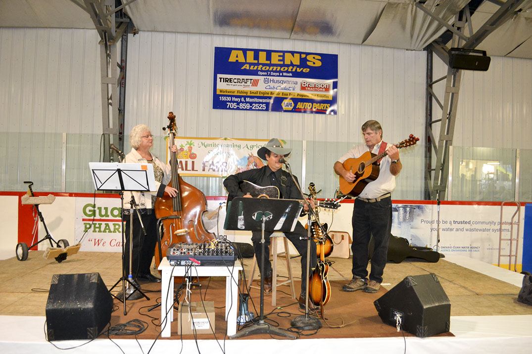 Ben Lentir and Friends entertained fair goers on Friday night.