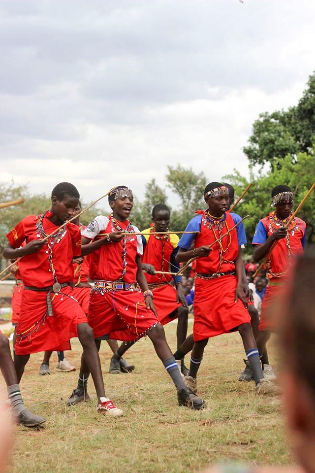 me-to-we--Traditional-Maasai-dance
