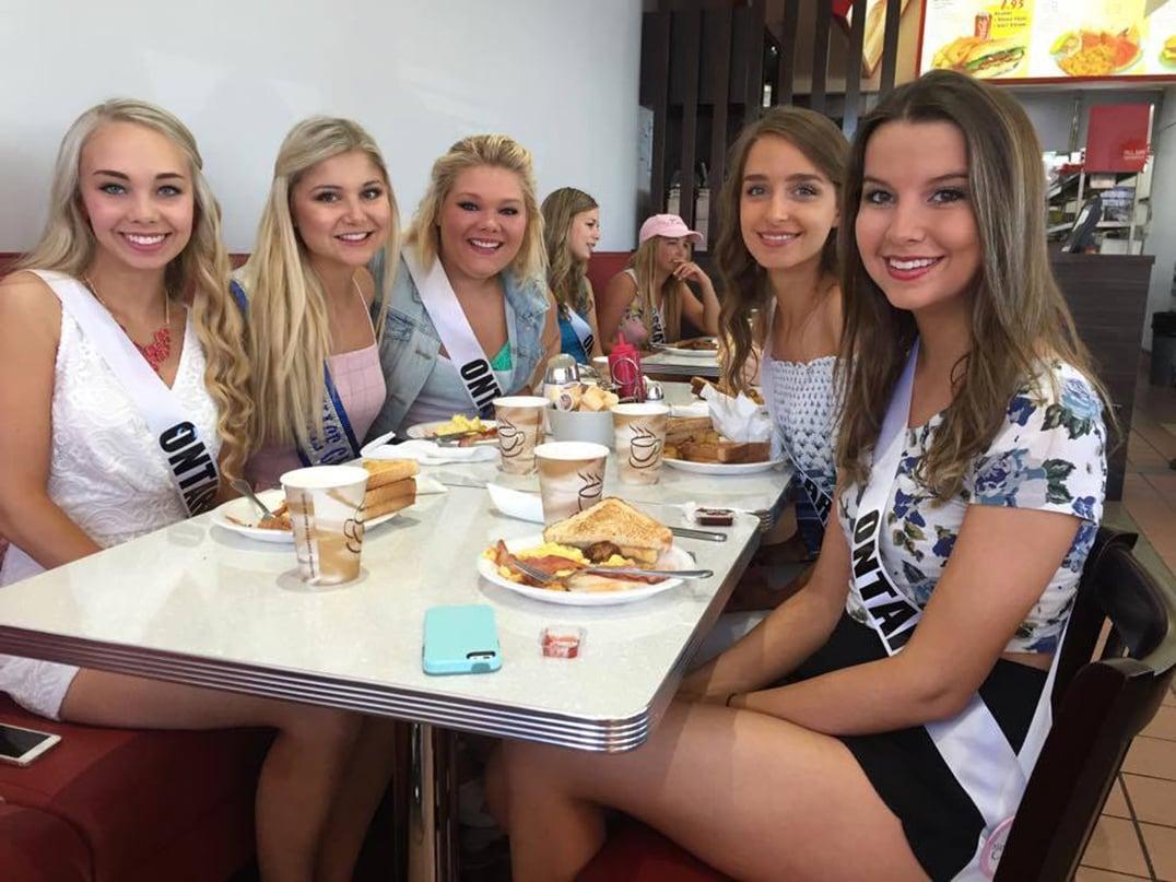 Katie and the Northern Ontario girls having  breakfast with Miss Teenage Canada 2014 Francesca  McFadden.